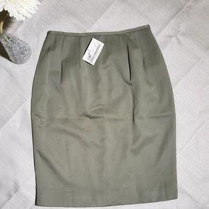 Tahari Olive Green Skirt 100% Pure Wool  Size 2